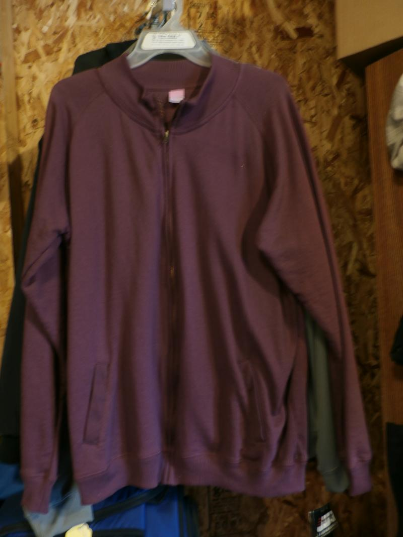 Ladies xxlarge Plumb fill zip non hooded sweatshirt $15.00